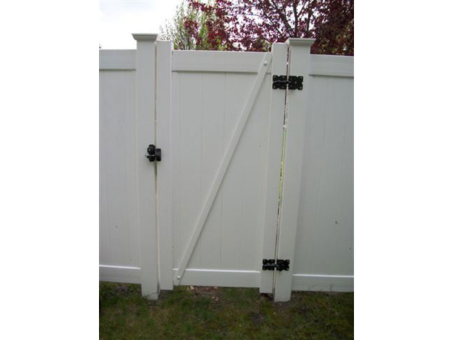 V-0713 - Vinyl Privacy Fence Gate