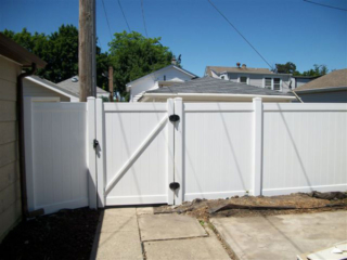 V-0719 - Vinyl Privacy Fence Gate