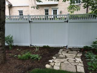 C-0765 - Cedar Fence with Decorative Top