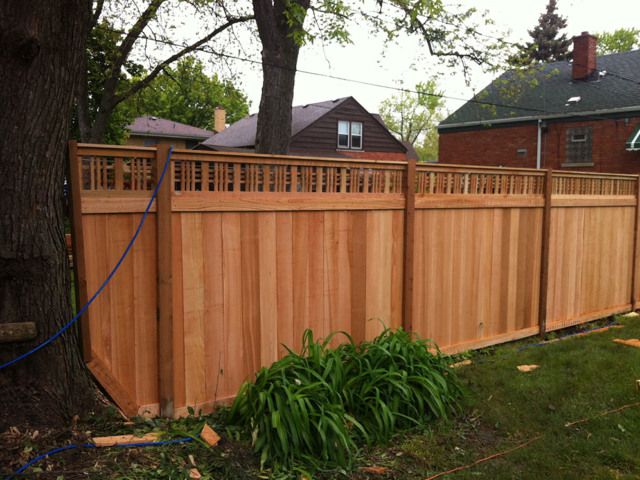 C-0764 - Cedar Fence with Decorative Top