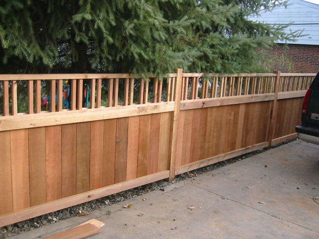 C-0760 - Short Cedar Fence with Decorative Top