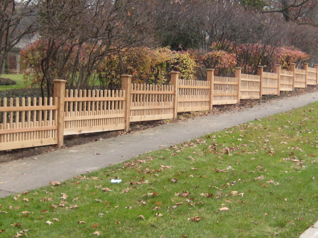 C-0705 – Short Stepped Cedar Fence