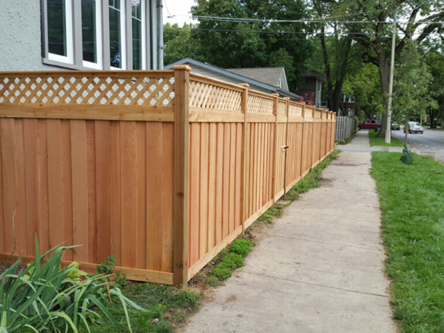 C-0756 - Cedar Fence with Lattice Top