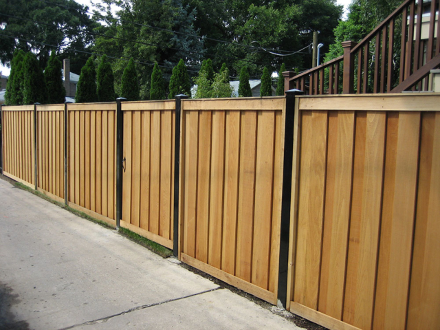 C-0749 - Cedar Fence Gate with Steel Posts