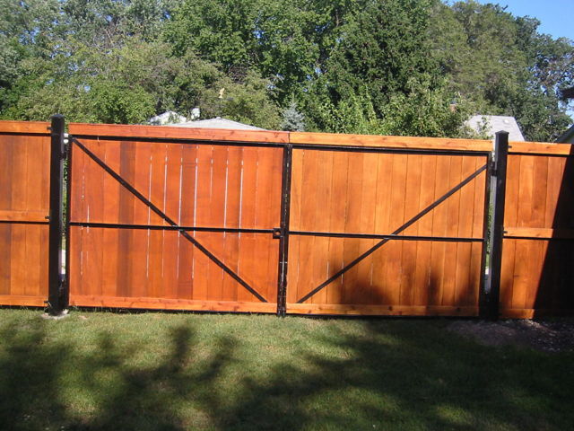 C-0748 - Cedar Fence Gate with Steel Posts and Frame