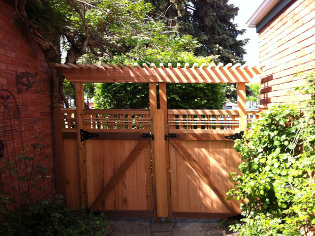 C-0743 - Cedar Fence Gate with Pergola