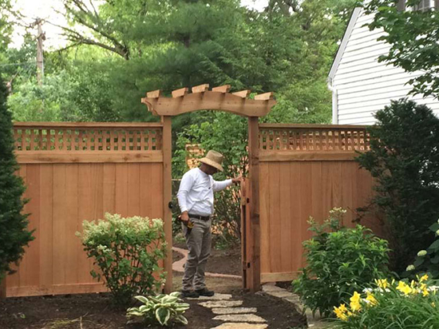 C-0742 - Cedar Fence Gate with Pergola