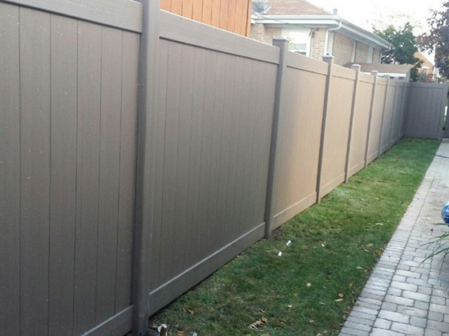 V-0729 - Colored Vinyl Fence with Gate