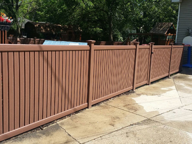 V-0731 - Colored Short Vinyl Fence