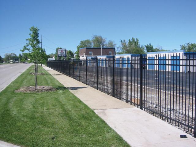 A-0707 - Aluminum Fence