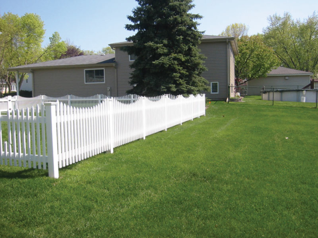 V-0725 - Vinyl Picket Fence