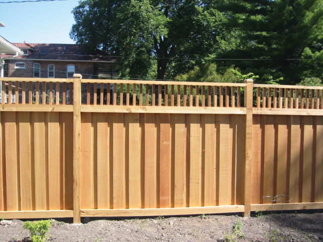 C-0701 - Cedar Fence with Decorative Top