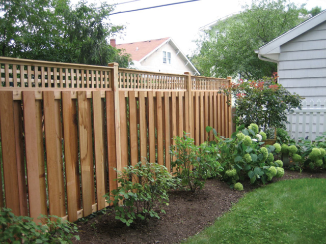 C-0716 - Cedar Fence with Decorative Top