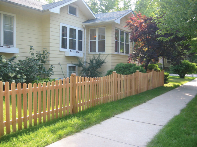 C-0735 - Cedar Picket Fence