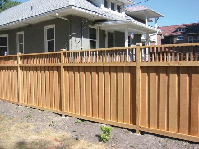 C-0736 - Cedar Stockade Fence
