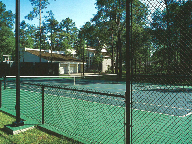 L-0703 - Chain Link Fence