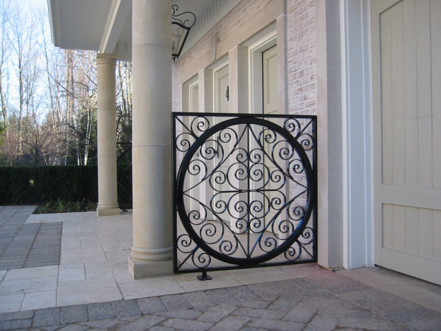 M-0704 - Wrought Iron Decorative Fence