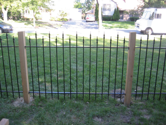 M-0727 - Wrought Iron and Cedar Fence